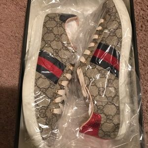 Women's Gucci sneakers size 9